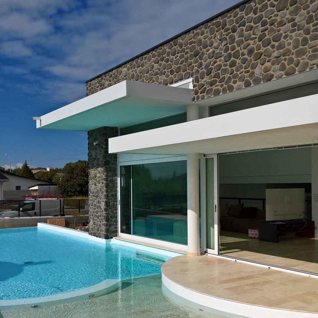 serramento scorrevole piscina